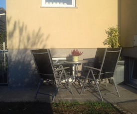 SPRING APT with garden and secure parking + FREE bikes