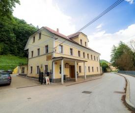 Hostel Kozmus