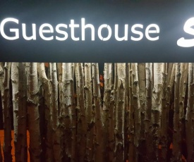 Guesthouse S