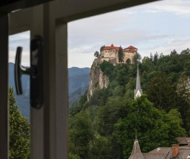 Apartment in the heart of Bled with views